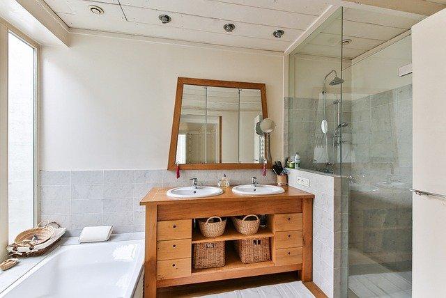 koupelna s doplňky