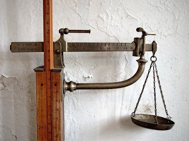 Váha decimálka.jpg